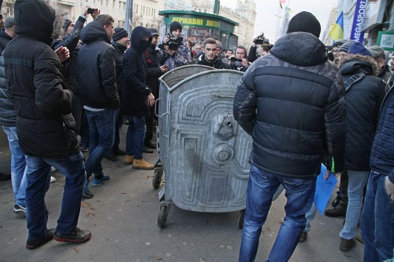 143474644(1) - Владимир Скоробагач заслуженно попал под горячую руку общественности
