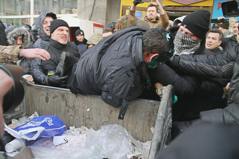 143474836 - Владимир Скоробагач заслуженно попал под горячую руку общественности