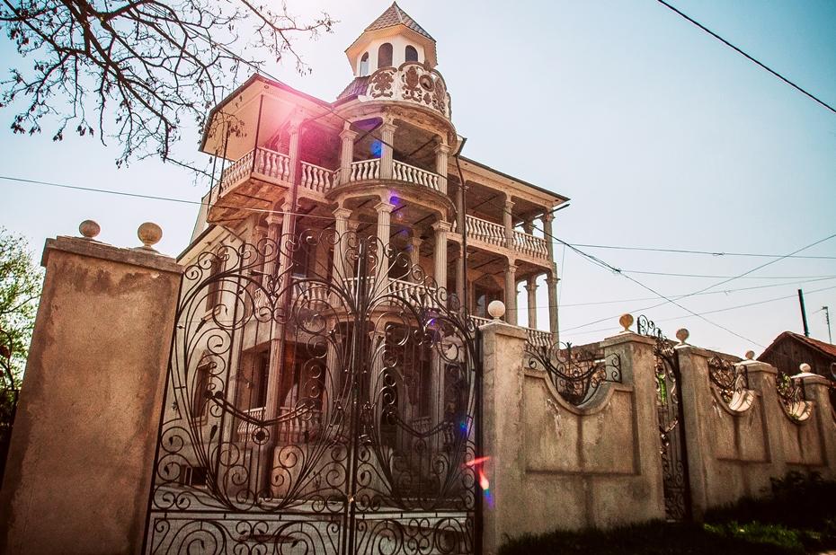 школу поступила дома цыган в молдове фото этой